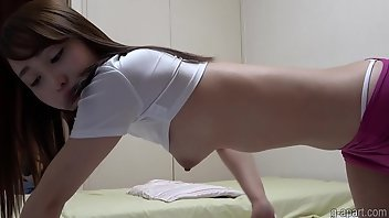 Downblouse Thong Cute Voyeur